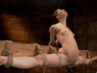 Sadomaso Porno mit lesbischer Sklavin