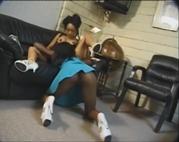 Schwarze Lesben beim Dildofick