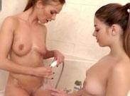 Dusch Lesben