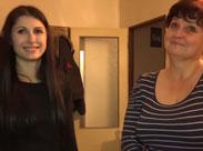 Lesbische Oma von ihrer jungen Freundin gefickt